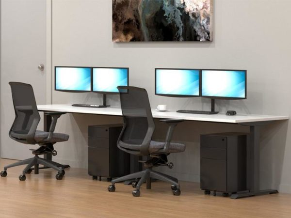Maxim Desk